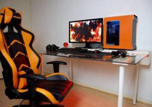 идея дизайна оранжевой комнаты геймера